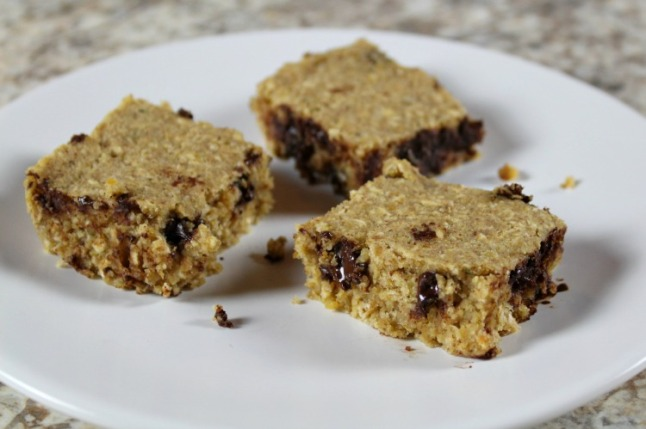 Peanut Butter Chocolate Chip Energy Bars--KintheKitchen