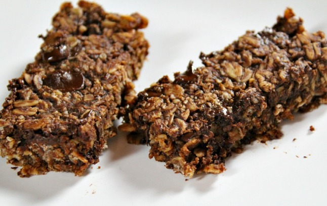 Double Chocolate Peanut Butter Granola Bars--KintheKitchen