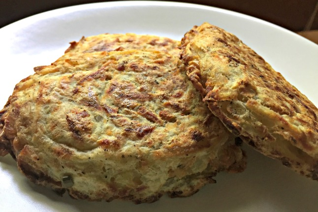 Gouda-Stuffed Hashbrowns - KintheKitchen