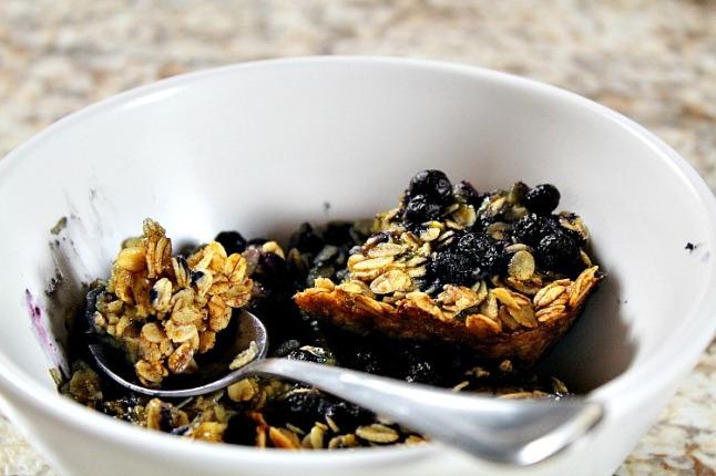 Maple Blueberry Baked Oatmeal -KintheKitchen