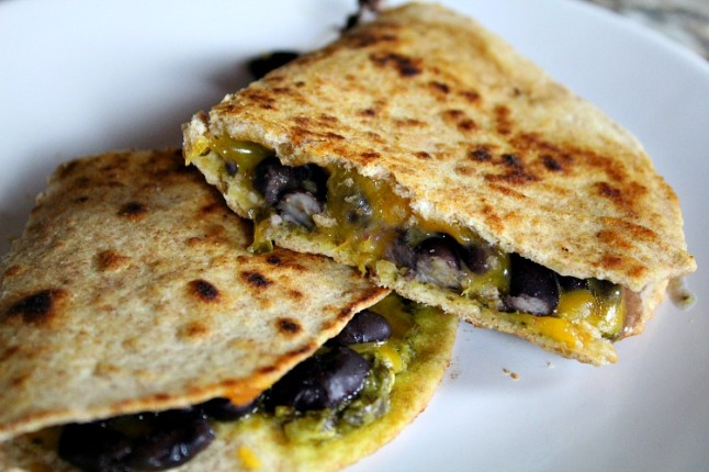 Pesto Cheddar Black Bean Quesadillas - KintheKitchen