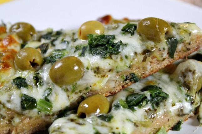 Spinach Basil Pesto White Pizza KintheKitchen