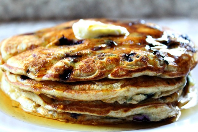 Maple Blueberry Pancakes--KintheKitchen