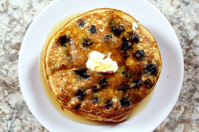 Maple Blueberry Pancakes---KintheKitchen