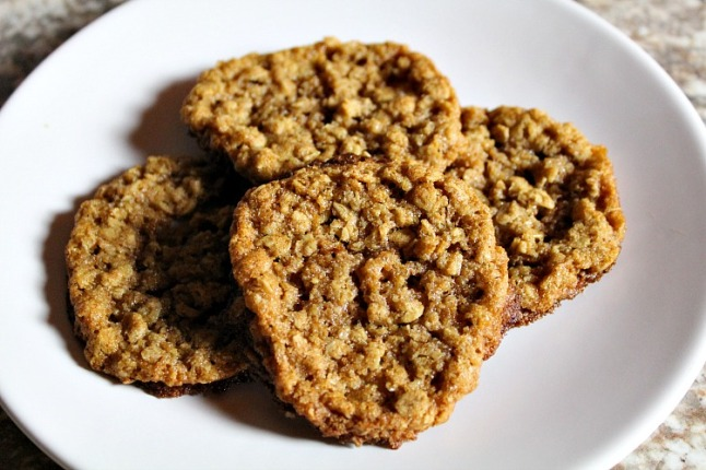 Old Fashioned Chewy Oatmeal Cookies KintheKitchen