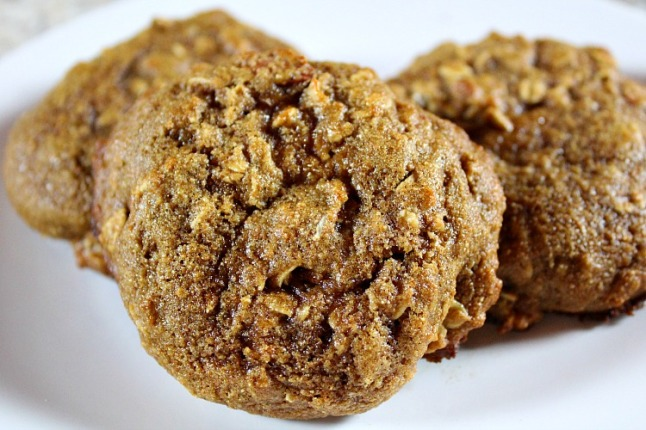 Oatmeal Almond Breakfast Cookies KintheKitchen