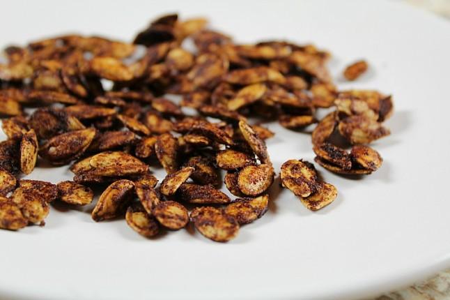 CinnamonRoastedPumpkinSeeds--KintheKitchen